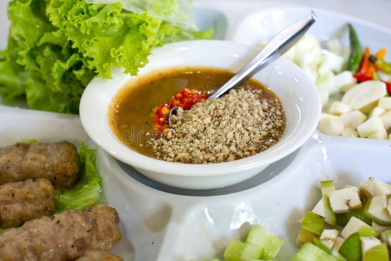 Vietnamesiska köttbullesjalar (Nam Neung) arkivbild