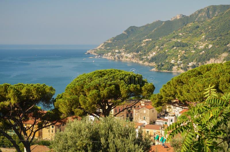 vietri sul母马海滩,意大利美丽如画的夏天风景  库存照片