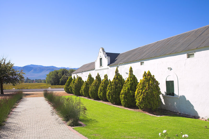 Vieux établissement vinicole et passage couvert photos libres de droits