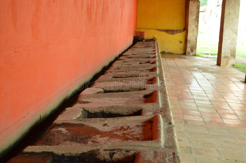 Vieux éviers en pierre photos libres de droits