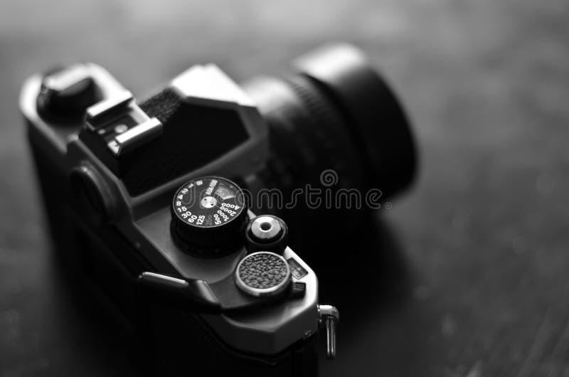 Vieux appareil-photo et lentille pour la photographie photo libre de droits