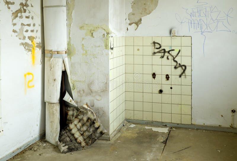Vieux bâtiment détruit images libres de droits