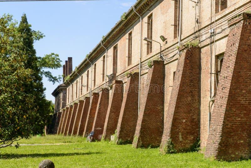 Vieux bâtiment militaire à l'intérieur de Cittadella, Alexandrie, Italie images libres de droits
