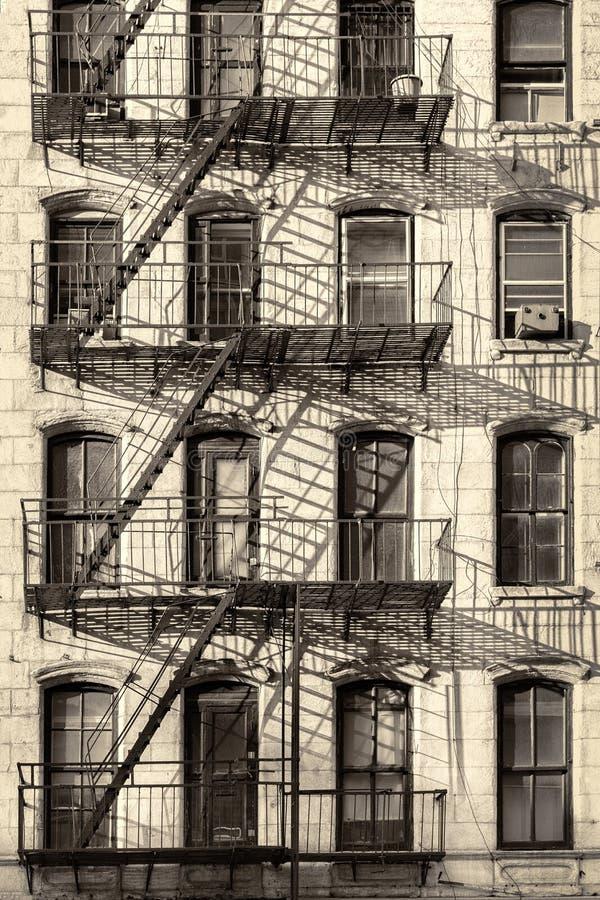 Vieux bâtiment typique de New York City images libres de droits