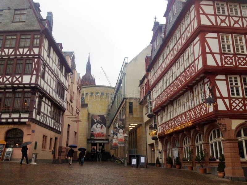 Vieux bâtiments allemands traditionnels à Francfort du centre Oder, Allemagne images libres de droits