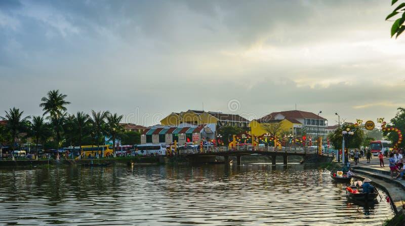 Vieux bâtiments avec la rivière en Hoi An, Vietnam image libre de droits