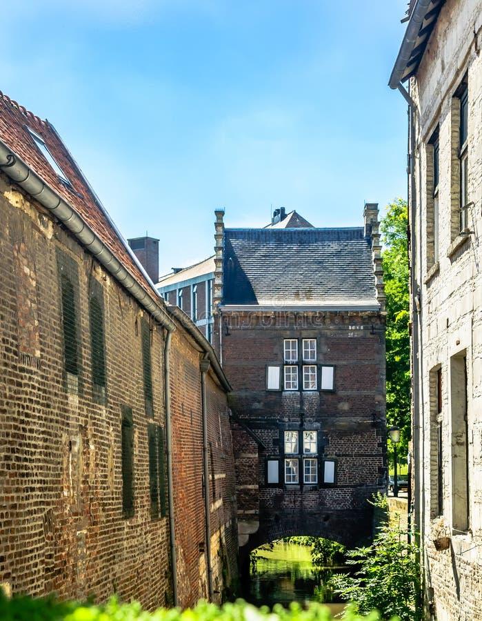 Vieux bâtiments de Maastricht de centre de la ville historique image stock