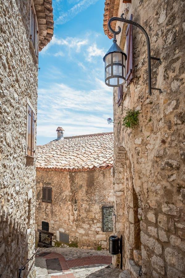 Vieux bâtiments en pierre rustiques en France photographie stock libre de droits