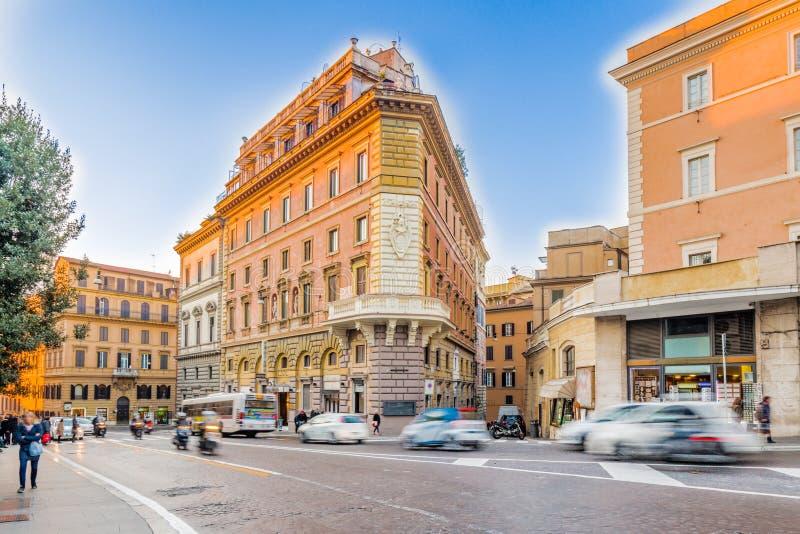vieux bâtiments le long des rues de Rome photographie stock