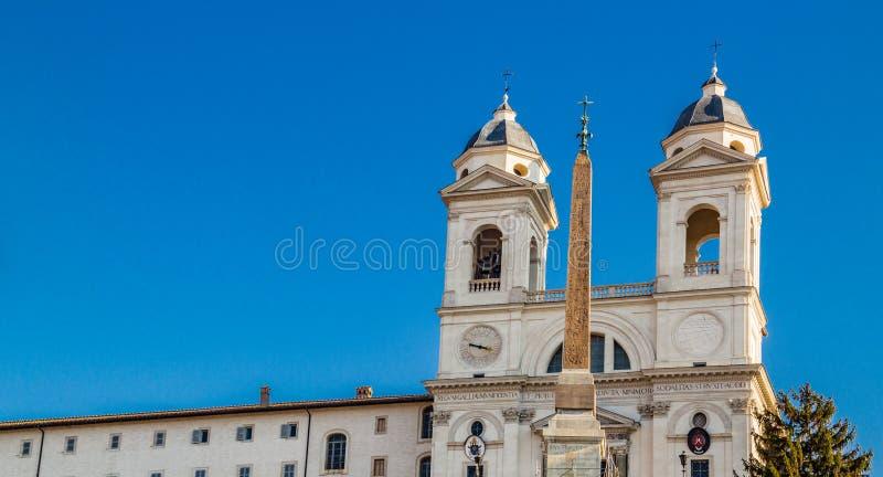 vieux bâtiments le long des rues de Rome images libres de droits