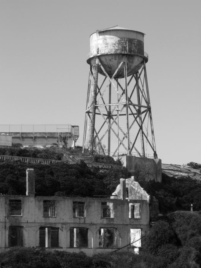Vieux b?timent d'Alcatraz, Am?rique BW photo libre de droits