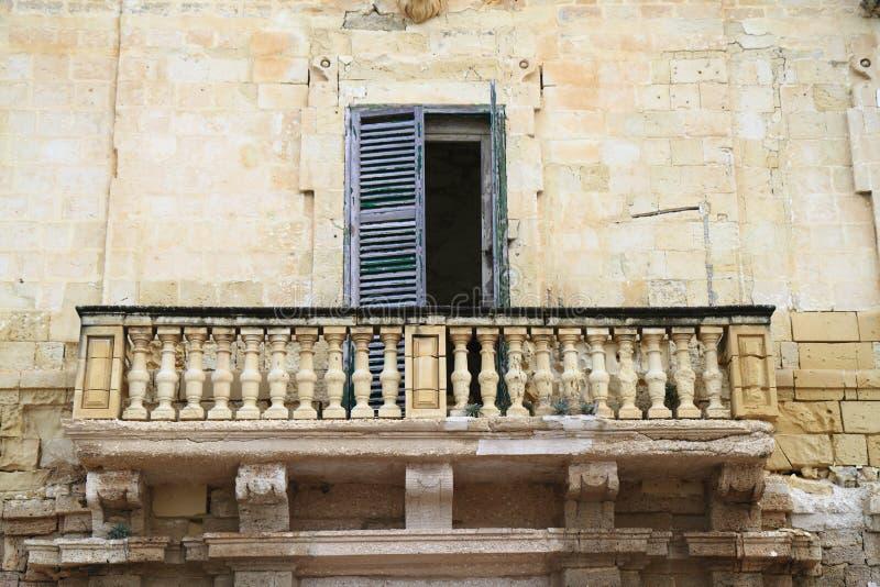 Vieux balcon à La Valette, Malte images libres de droits