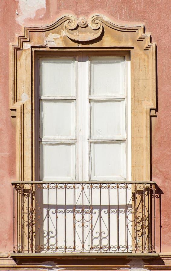 Vieux balcon italien. photos stock
