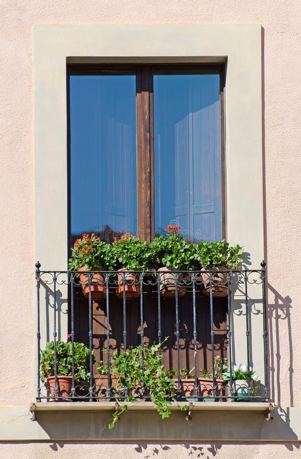 Vieux balcon italien photo libre de droits