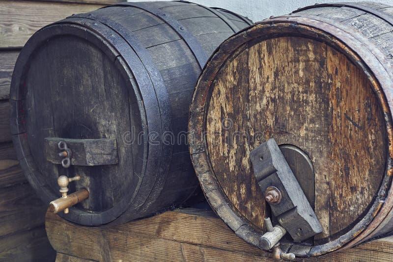 Vieux baril de vin photos stock