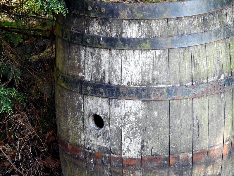Vieux baril en bois photographie stock