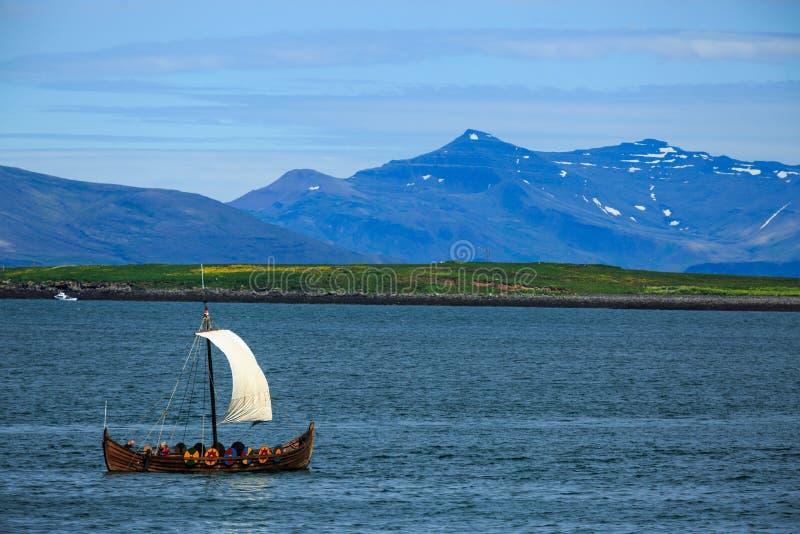 Vieux bateau de Viking image libre de droits