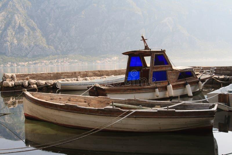 Download Vieux Bateaux En Bois à La Marina Dans Monténégro Image stock - Image du nautique, moteur: 45366409