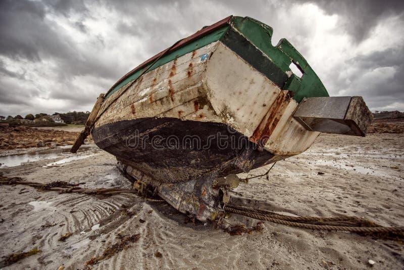 Vieux bateaux en Brittany France image stock