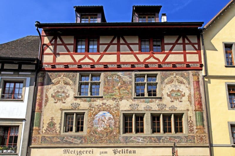 Vieux beau fresque sur le bâtiment médiéval à Stein am Rhein, Swi photographie stock libre de droits