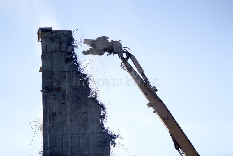 Vieux beeing de site d'industrie démoli image libre de droits