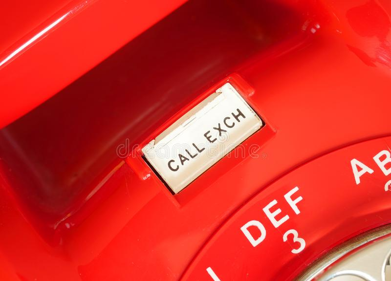 Vieux bouton rouge de téléphone de cadran rotatoire photographie stock