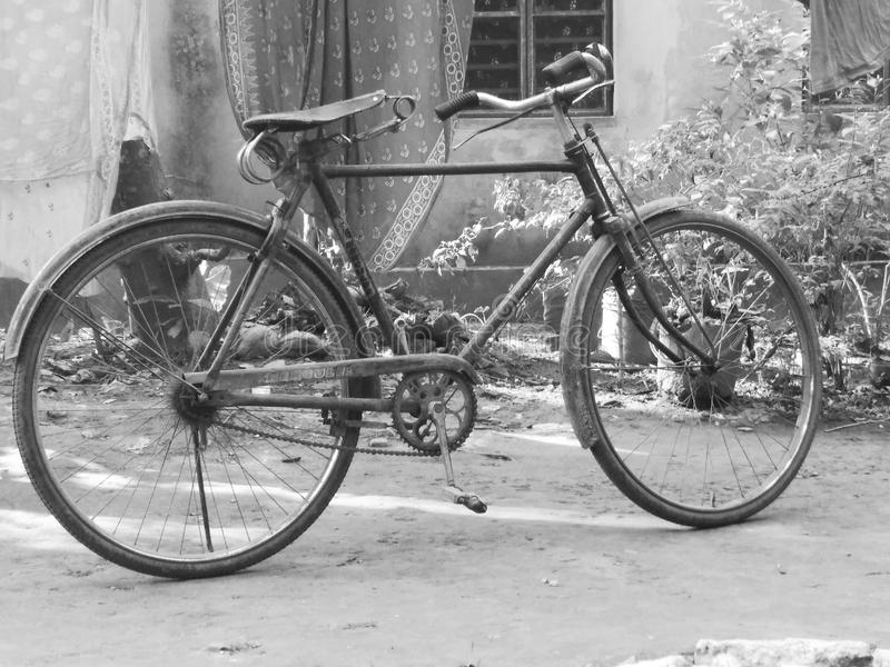 Vieux bycycle images stock