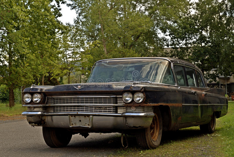 Vieux Cadillac noir photos stock