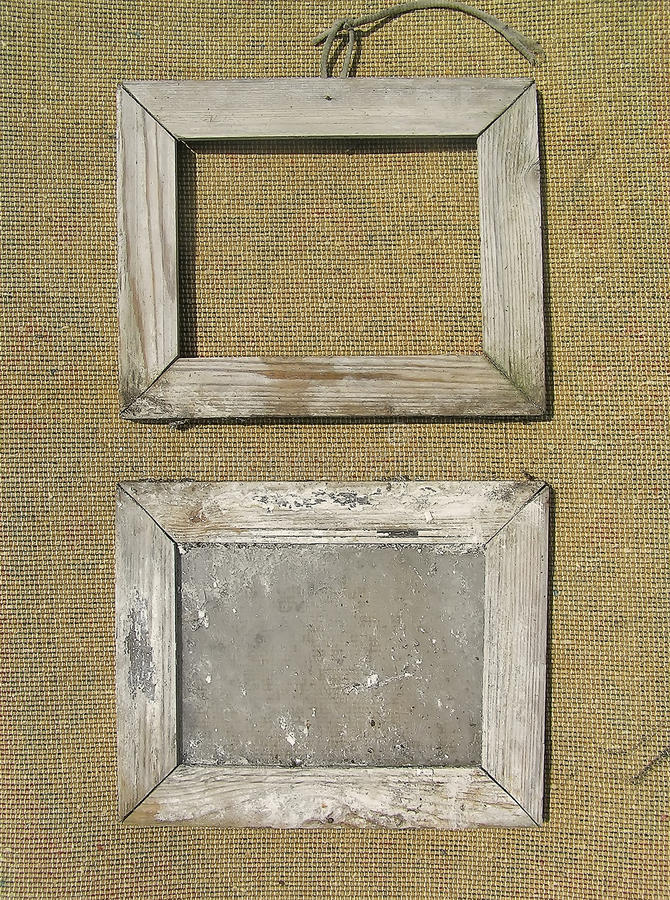 vieux cadre de tableau deux en bois sur la toile de jute photo stock image du peinture album. Black Bedroom Furniture Sets. Home Design Ideas