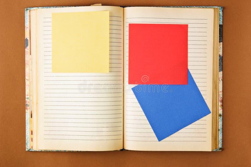 Vieux cahier avec les pages souillées image libre de droits