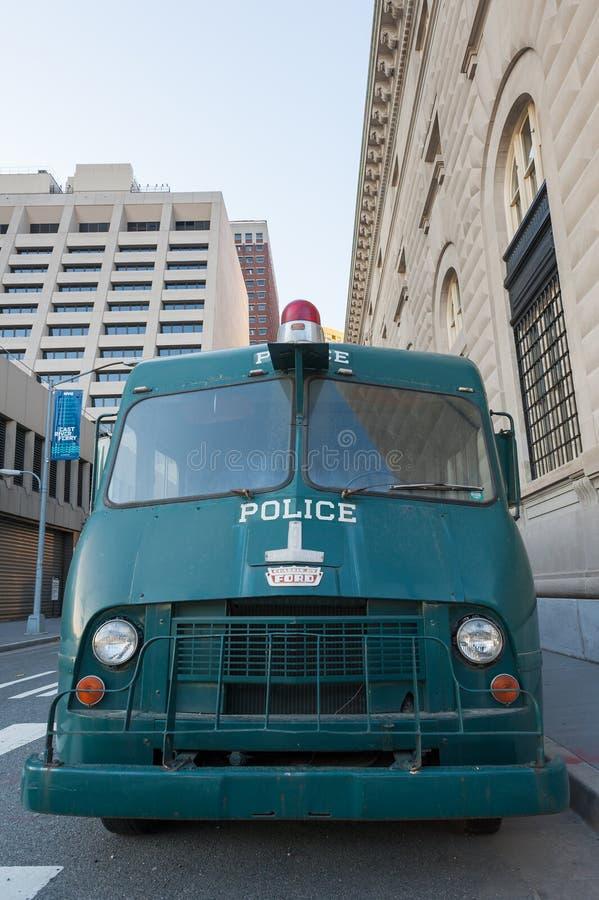 Vieux camion de police verte de New York images stock