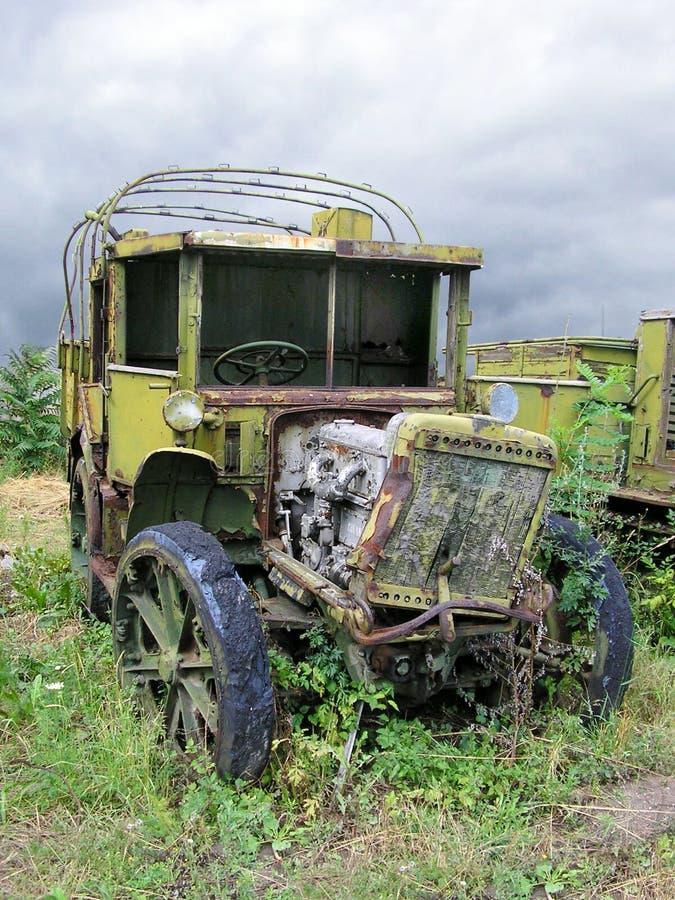 Vieux camion militaire russe ruiné de WWII photo libre de droits
