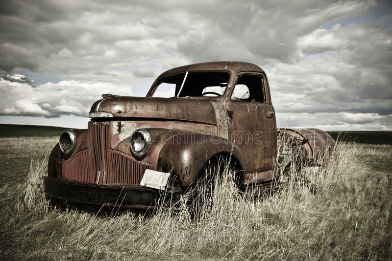 Vieux camion rouillé image libre de droits