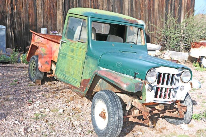 Vieux camion rouillé photo stock