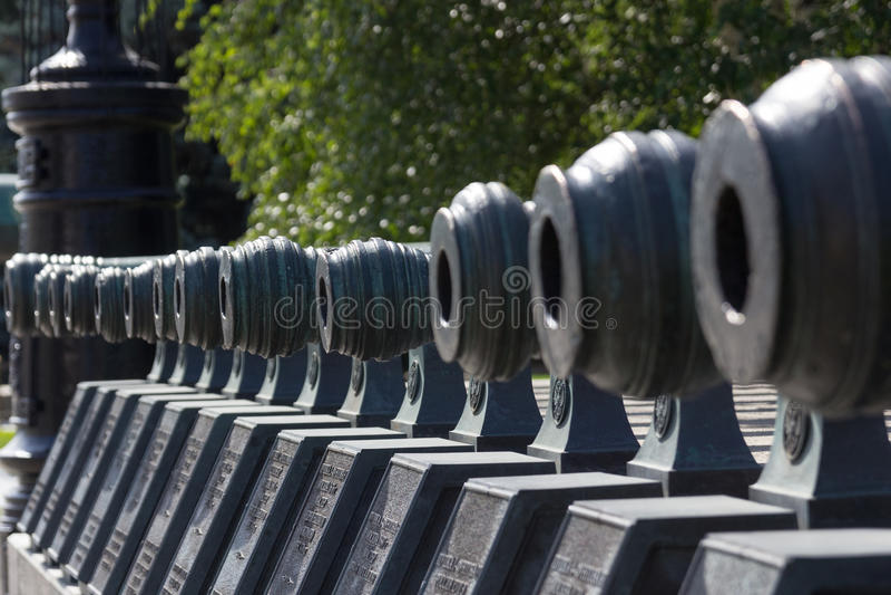Vieux canon à Moscou Kremlin photos stock