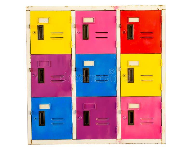 Vieux casiers colorés d'armoire d'isolement sur le fond blanc images libres de droits