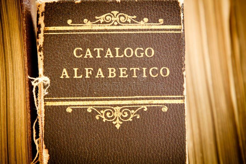 Vieux catalogue de bibliothèque image libre de droits