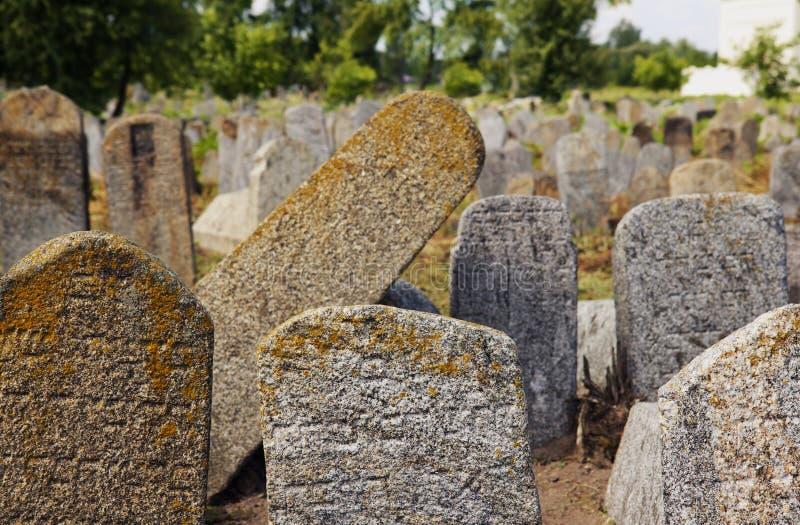 Vieux cementery juif dans Berdychiv, Ukraine photos libres de droits