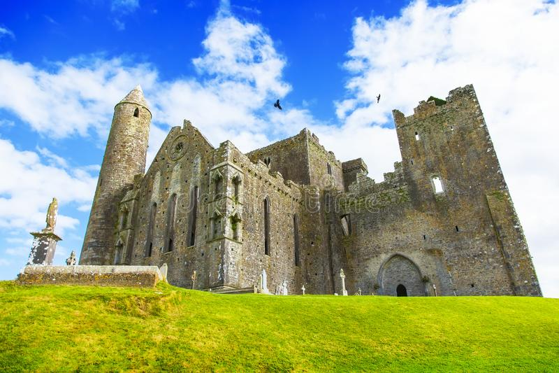 Vieux château irlandais gothique, roche Cashel image stock
