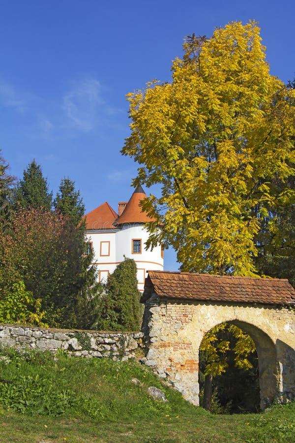 Vieux château Ozalj dans la ville d'Ozalj image libre de droits