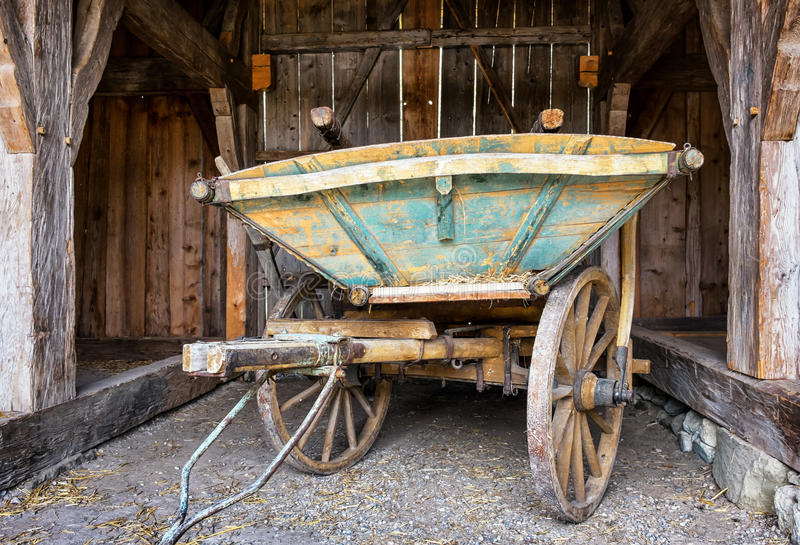 Vieux chariot de foin photo libre de droits