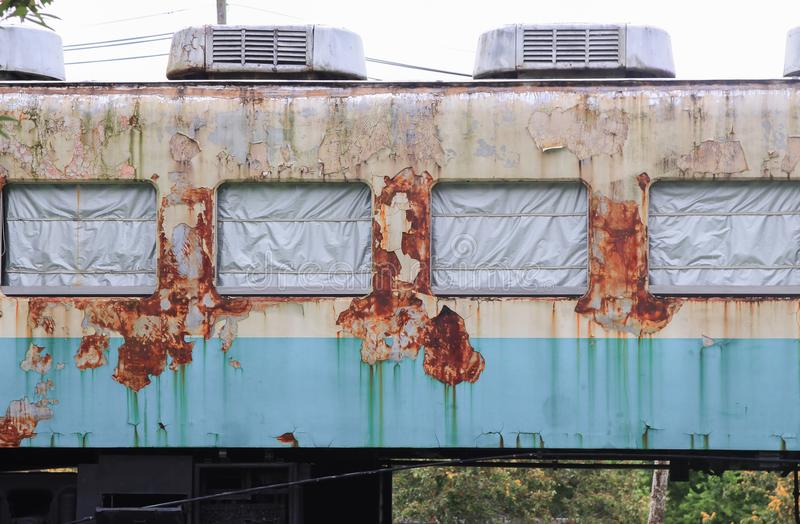 Vieux chariot rouillé de train photos stock