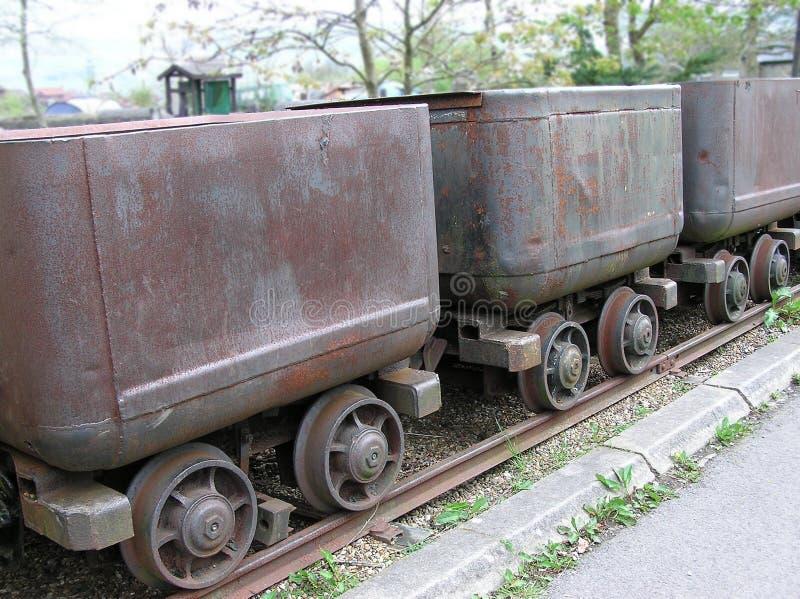 Vieux chariots de charbon image libre de droits