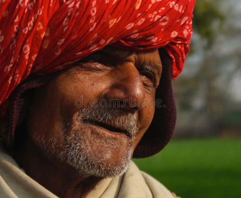 Vieux chauffeur de bus, Samode, Ràjasthàn, Inde photos libres de droits