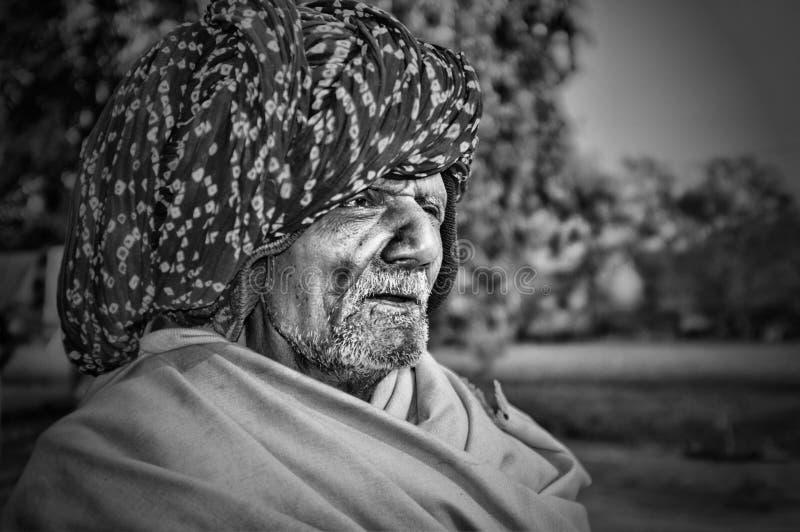 Vieux chauffeur de bus, Samode, Ràjasthàn, Inde photographie stock