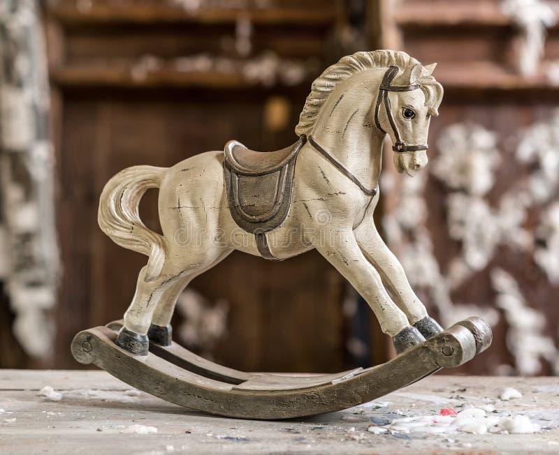 Vieux cheval de basculage de vintage photos libres de droits