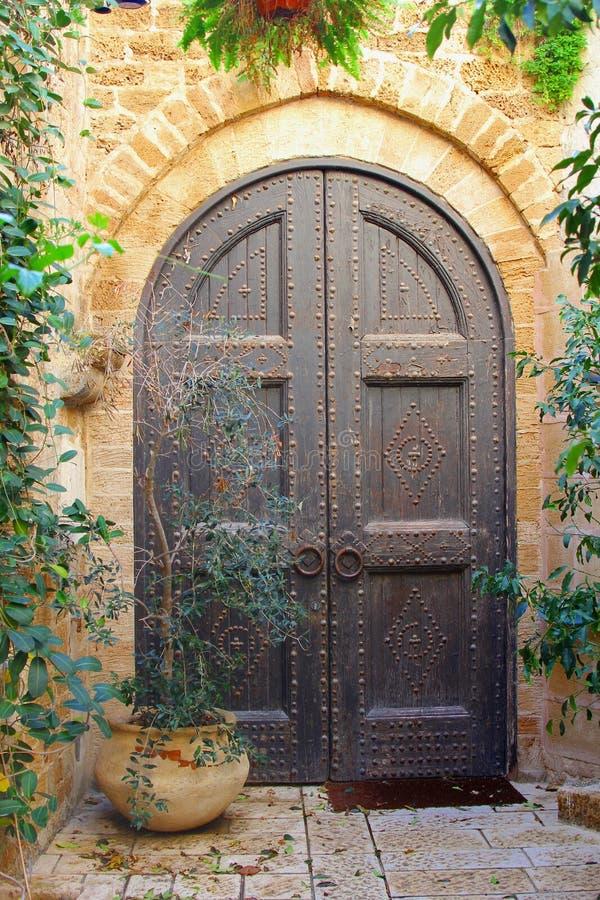 Vieux clous en bois en métal de portes, vieux Jaffa, Tel Aviv image libre de droits
