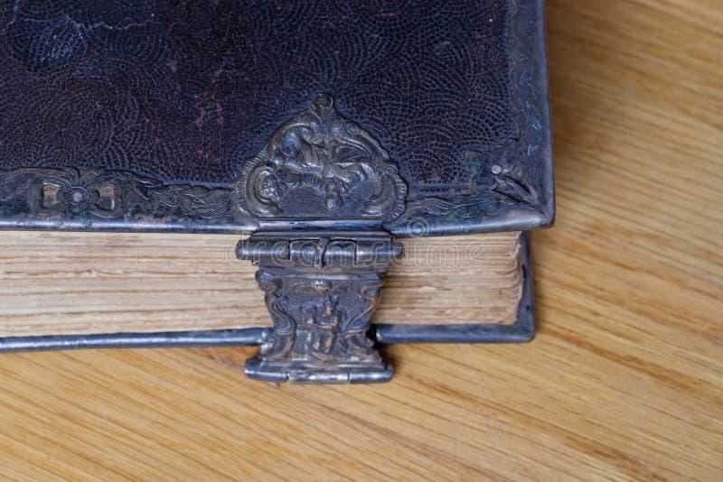 Vieux coin de bible image stock
