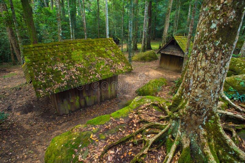Vieux cottage en parc national de Phu Hin Rong Kla image libre de droits