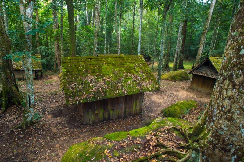 Vieux cottage en parc national de Phu Hin Rong Kla images libres de droits